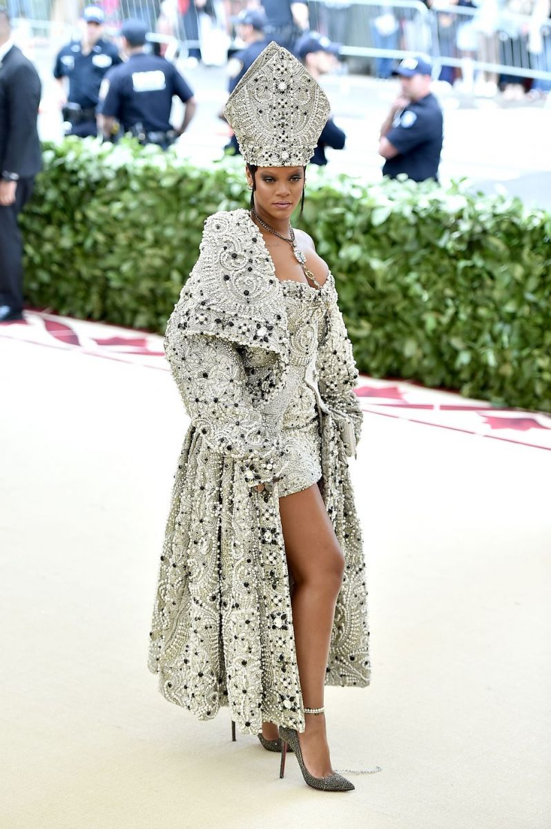recording-artist-rihanna-attends-the-heavenly-bodies-news-photo-958404686-1543876328