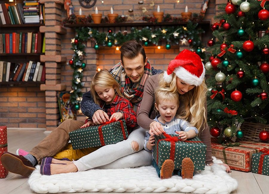 Christmas-Family-Presents-4