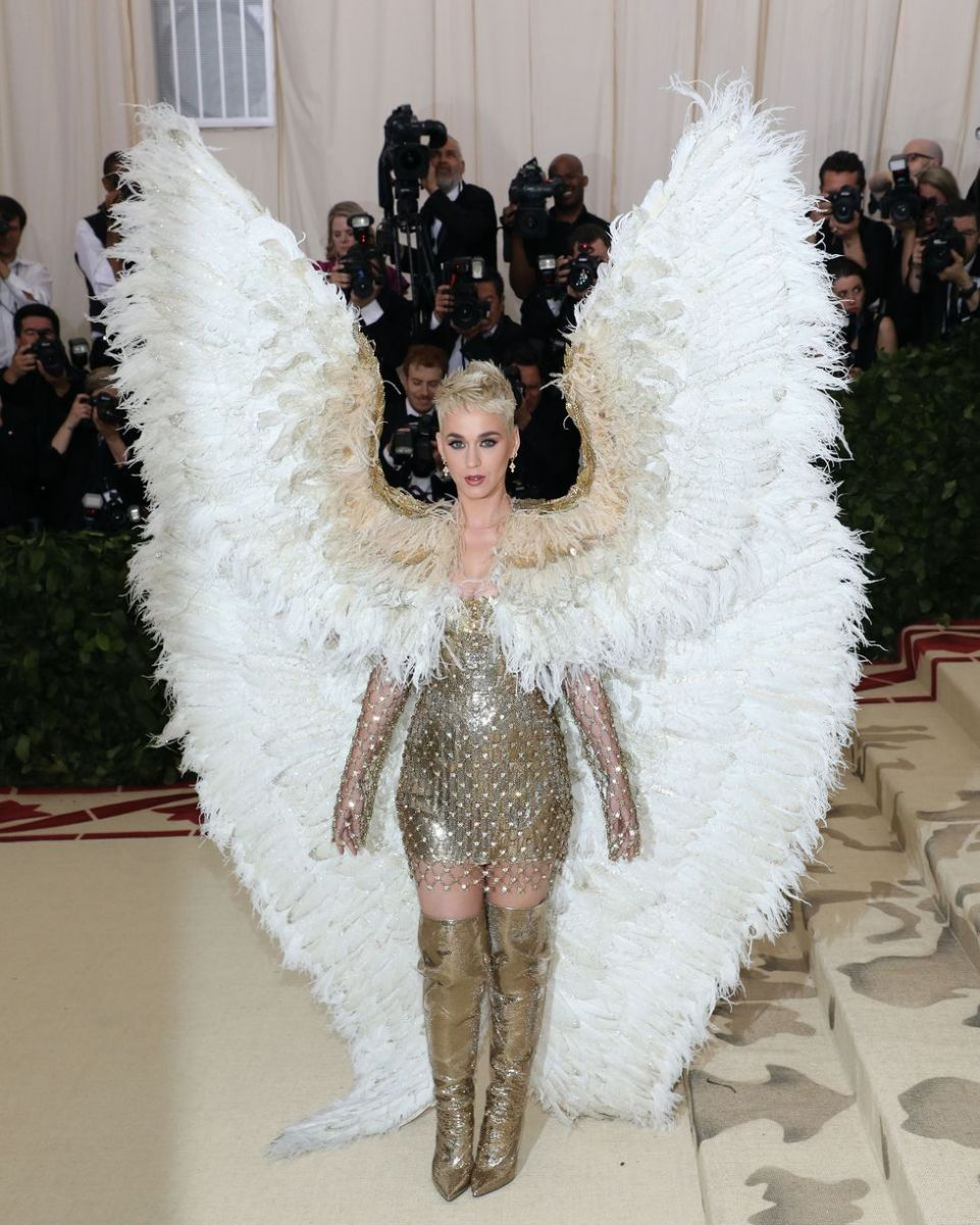 katy-perry-attends-heavenly-bodies-fashion-the-catholic-news-photo-955841240-1543875772