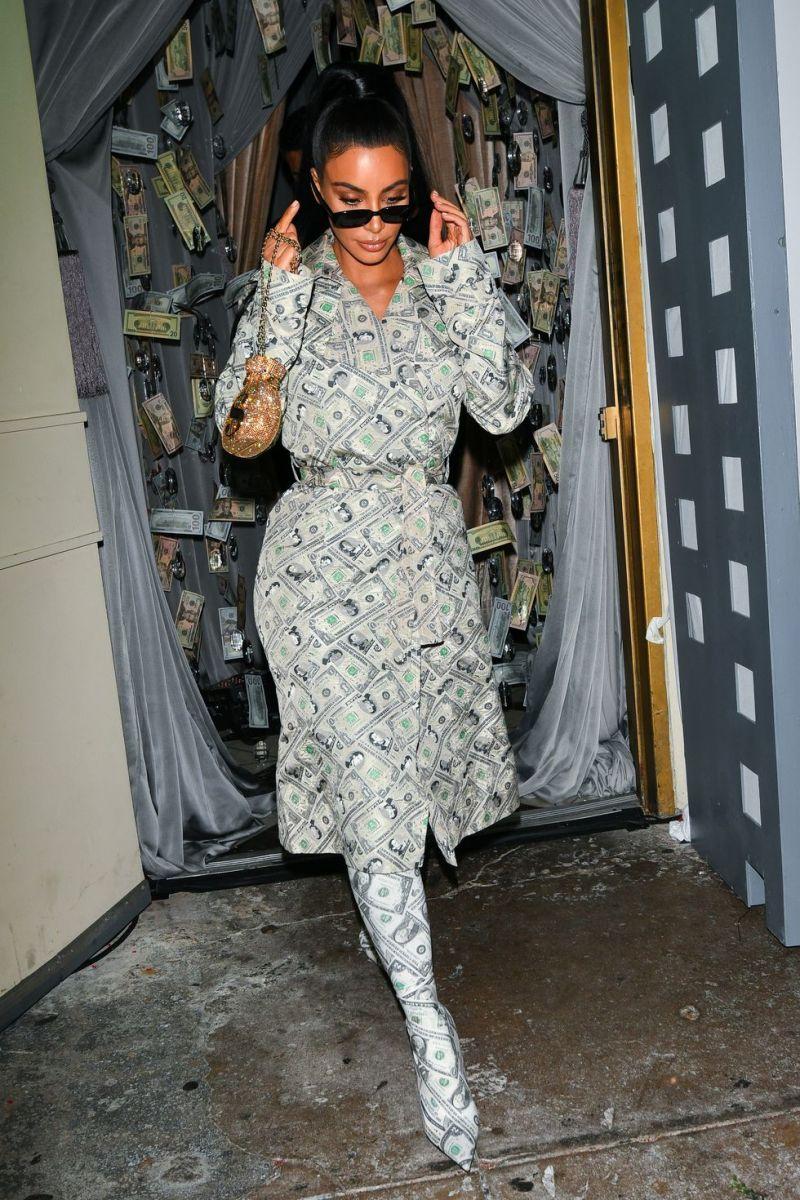 kim-kardashian-is-seen-wearing-a-money-dress-and-matching-news-photo-1042224858-1543876872