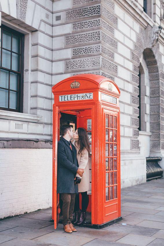 tourist-couple-photoshoot-at-london-landmarks9