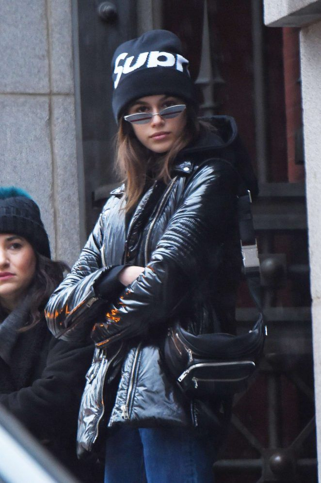 Kaia-Gerber_-Out-in-New-York-City--08-662x996