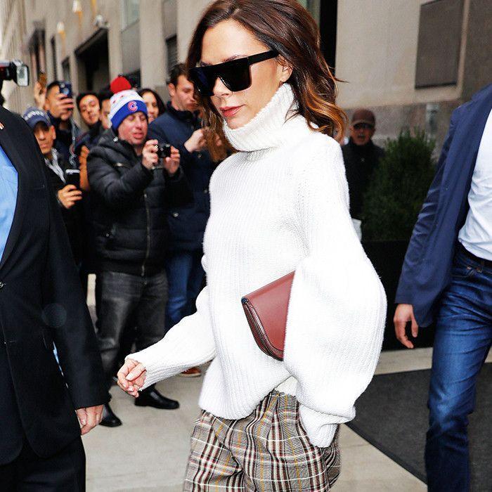 celebrities-wearing-turtleneck-sweater-212373-1483470147-square.700x0c