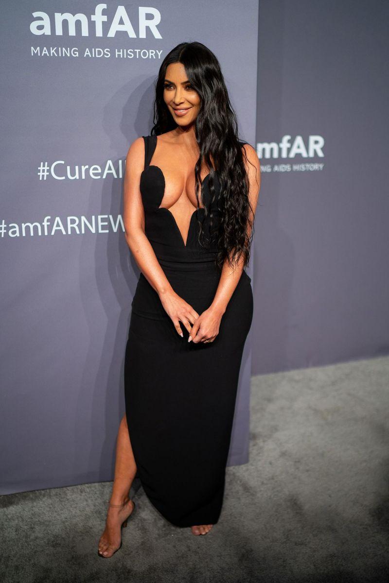 http___prod.static9.net.au___media_Network_Images_2019_02_07_16_19_Kim-Kardashian