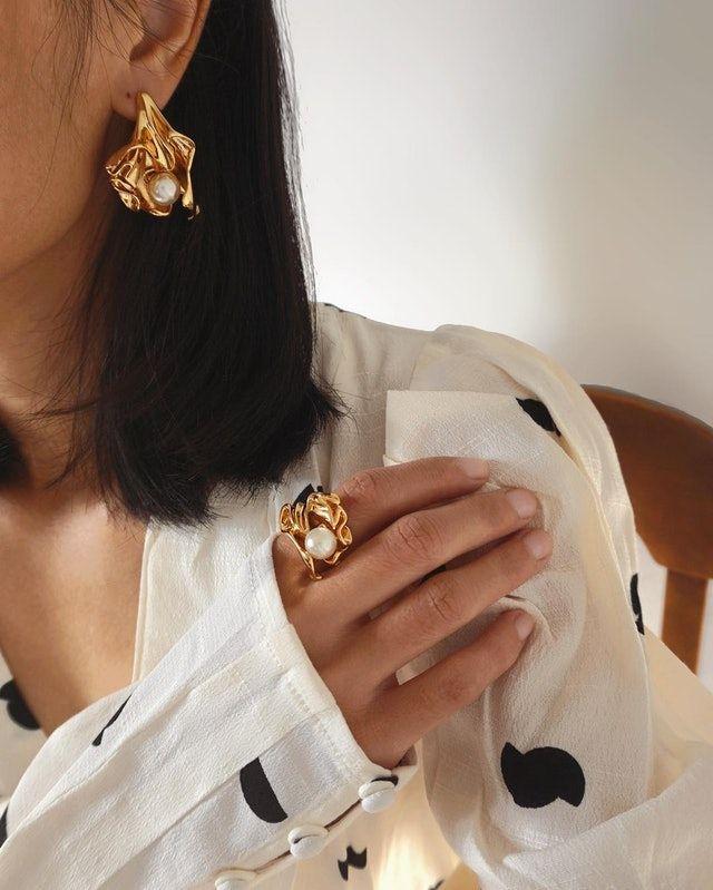a83991fa-4a97-4836-99c0-8722717b2af0-earrings