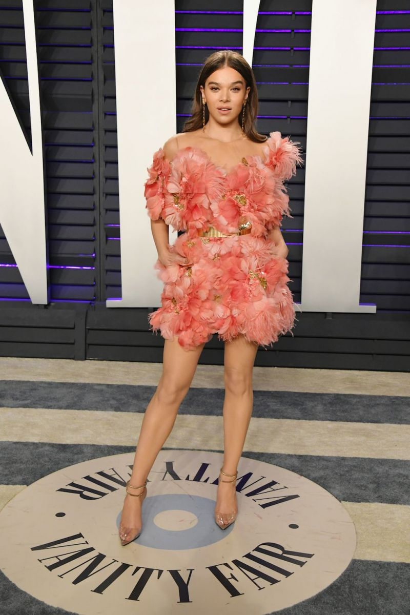 oscars-2019-after-party-hailee-steinfeld-1551079858