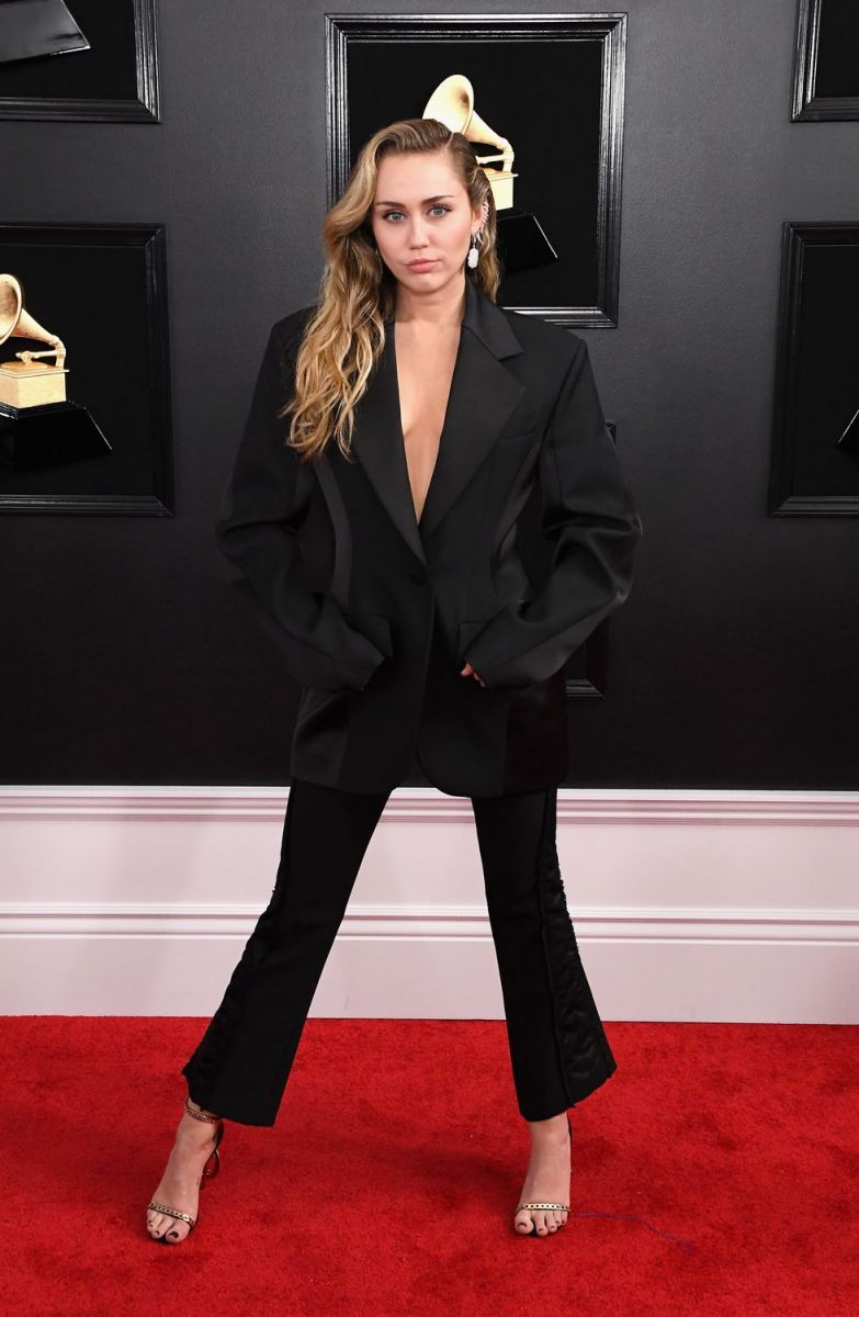 miley-cyrus-attends-the-61st-annual-grammy-awards-at-news-photo-1097522972-1549844363