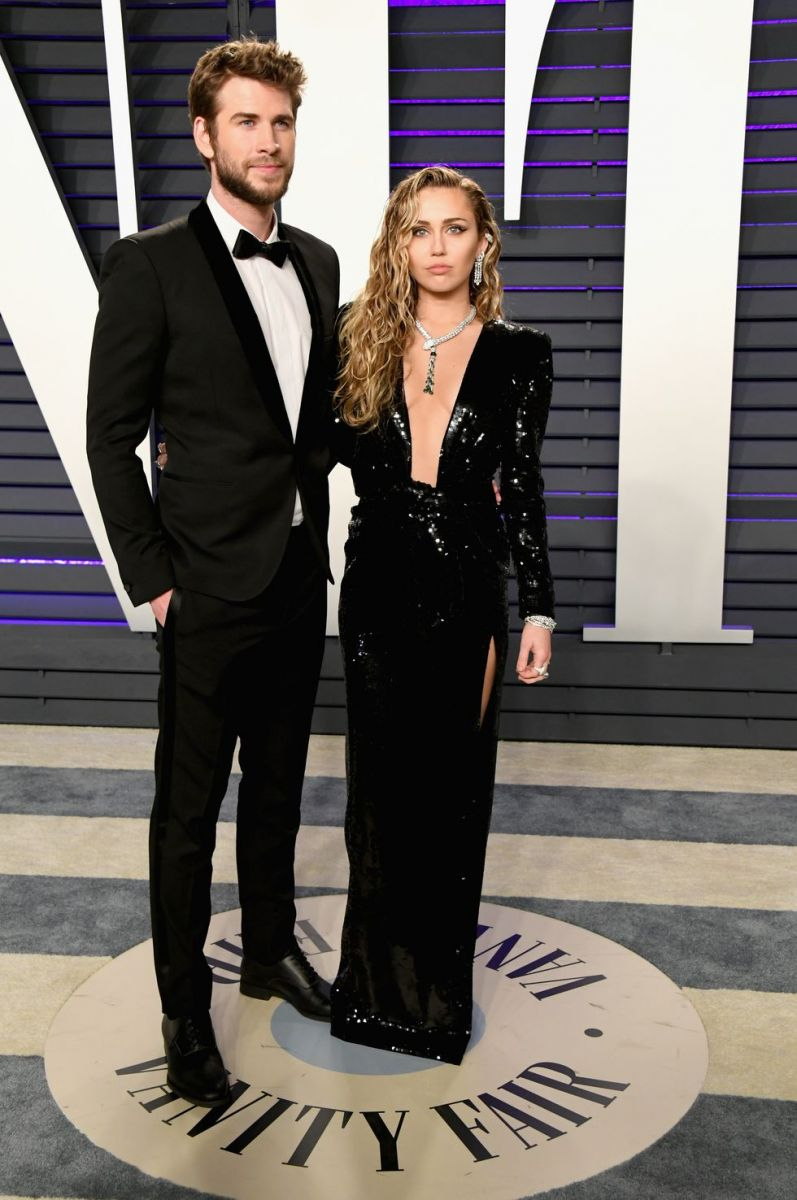 liam-hemsworth-and-miley-cyrus-attend-the-2019-vanity-fair-news-photo-1127235834-1551073645