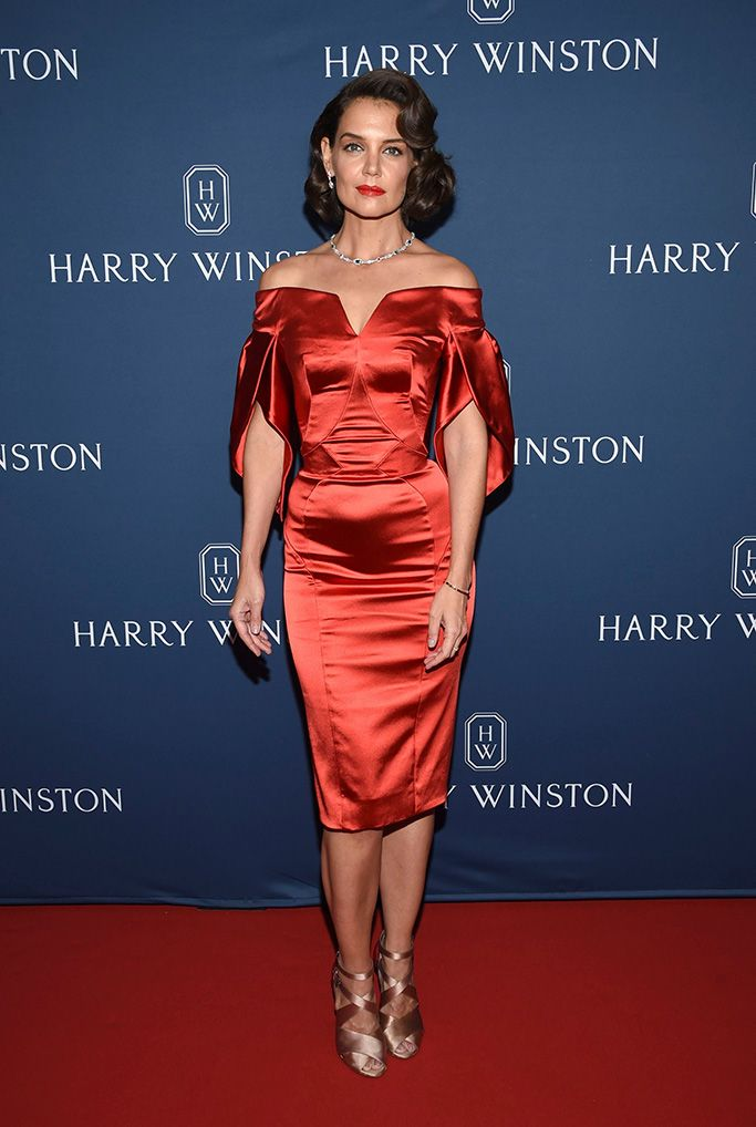 katie-holmes-channels-old-hollywood-glamour-in-a-curve-hugging-red-dress-strappy-heels-diamonds