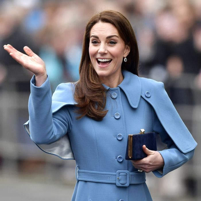 28-kate-middleton-a.w700.h700