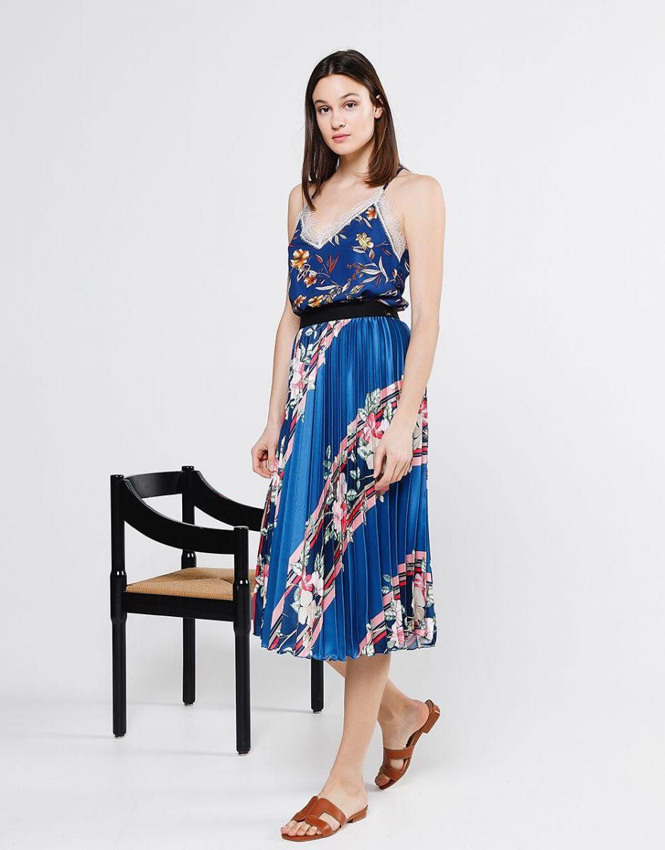 4f1029676e  H μπλε σατέν φλοράλ πλισέ φούστα είναι ιδανική για κάθε στιγμή της μέρας  σου.