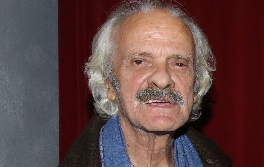 Σπύρος Φωκάς: Δείτε για πρώτη φορά το κοντέινερ στο οποίο ζει ο ηθοποιός