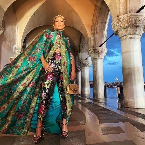 Ποιες stars μας άφησαν με το στόμα ανοιχτό στο show του οίκου Dolce & Gabbana;