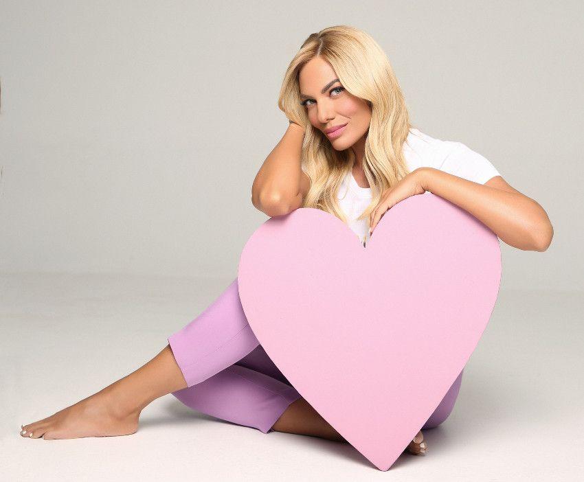"""Η Ιωάννα Μαλέσκου ανακοίνωσε στον αέρα την αλλαγή στο """"Love It"""""""