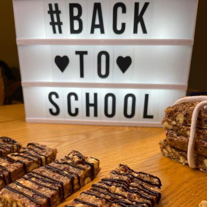 Back to school: Οι πιο γρήγορες και νόστιμες μπάρες δημητριακών που υπάρχουν -ΒΙΝΤΕΟ!