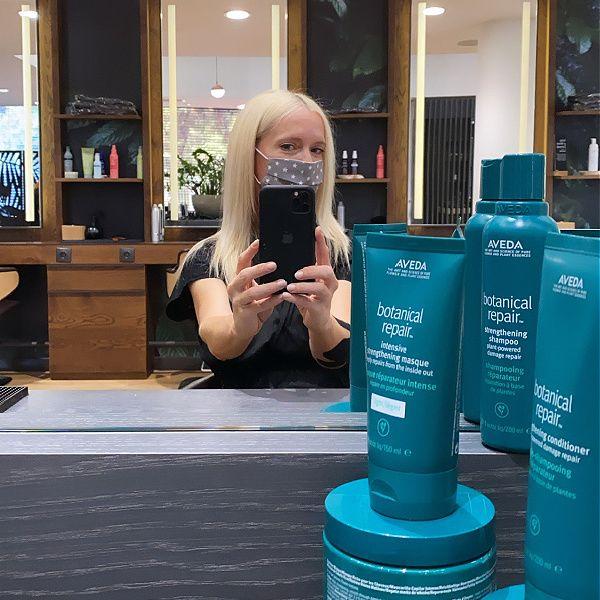 Δοκίμασα την επαγγελματική θεραπεία Botanical Repair της Aveda και τα μαλλιά μου είναι πιο λαμπερά από ποτέ!