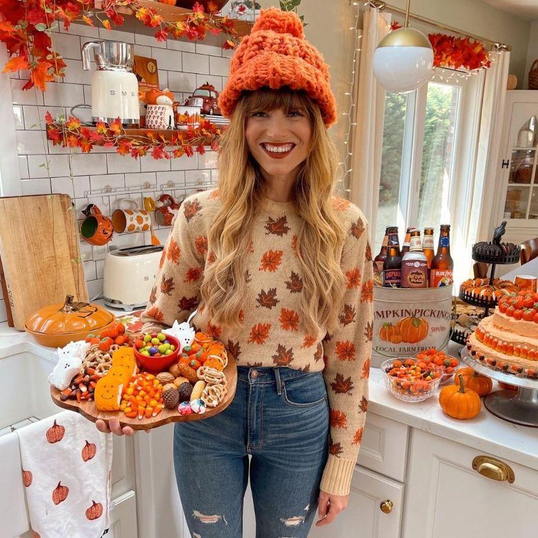 Fall Vibes: Η πιο φθινοπωρινή influencer μας προτείνει να αγαπήσουμε αυτή τη σεζόν ακόμα περισσότερο