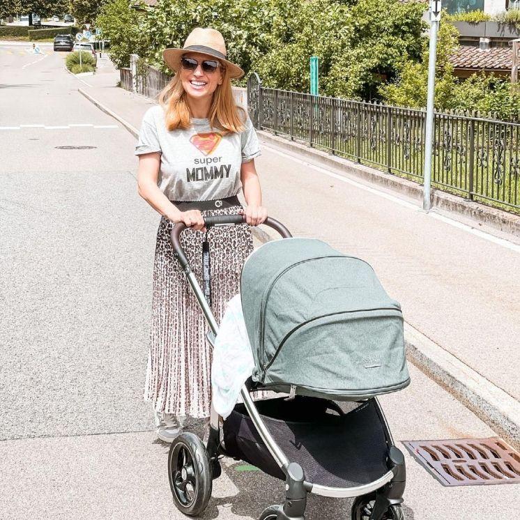 Η Μαρία Ηλιάκη μας δείχνει τις αγαπημένες της τάσεις λίγους μήνες μετά τη γέννηση του μωρού της