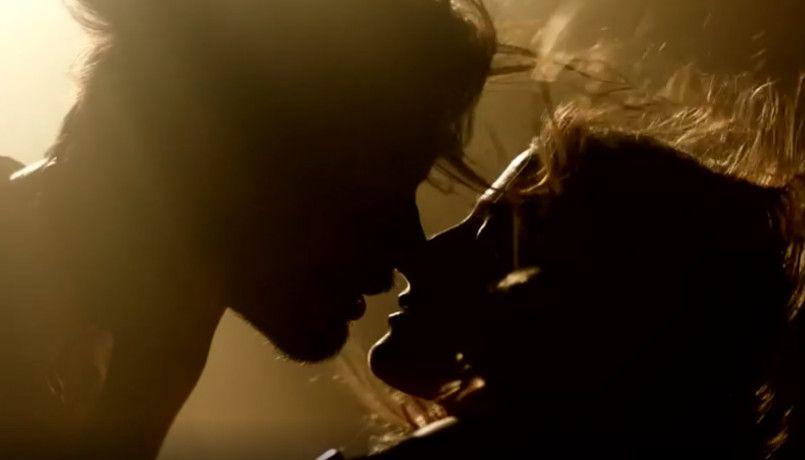 Ισμήνη Παπαβλασοπούλου και Γιώργος Καράβας σε κινηματογραφικά φιλιά στο GNTM 4