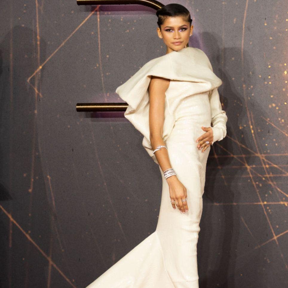 Η Zendaya αναδείχθηκε Fashion Icon της χρονιάς και ΑΥΤΕΣ είναι οι συγκλονιστικές εμφανίσεις που έκανε πρόσφατα