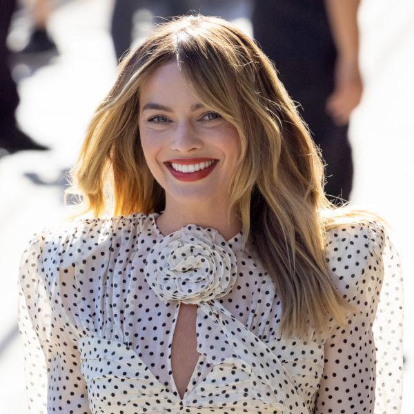 H Margot Robbie αποκαλύπτει τους 7 beauty κανόνες της για τέλεια επιδερμίδα!